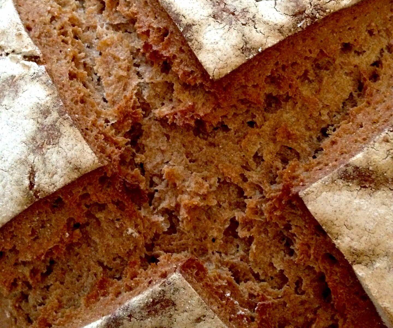 Roggenbrot & andere Brote backen aus Sauerteig